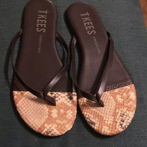 TKEES (French Tips) flip flops